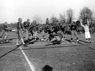 1928 Football.jpg
