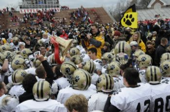 2008 Monon Bell Players Fans Celebrate RF 2.jpg